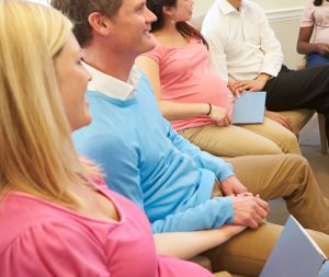Pregnant couples in hypnobirthing class